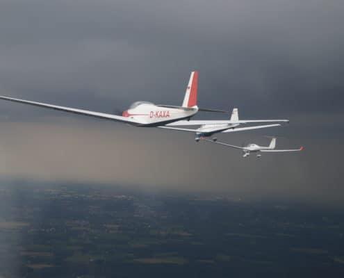 Motorseglerformation aus der Luft