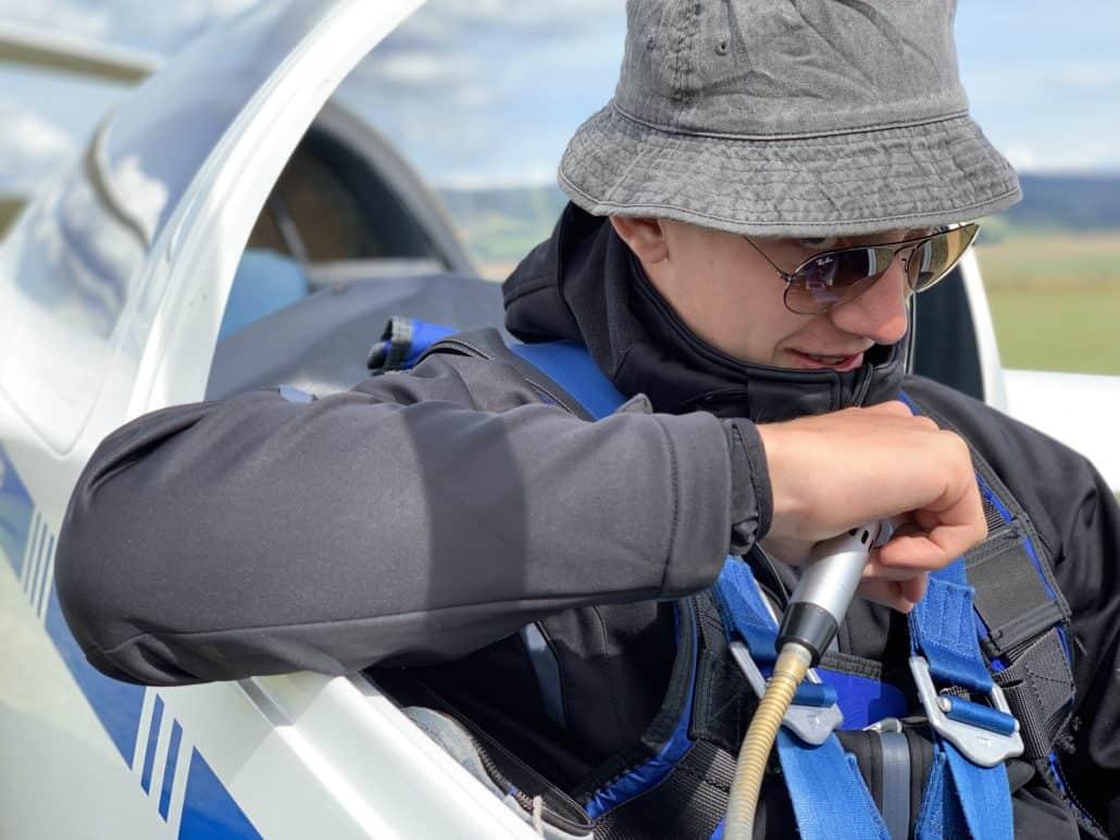 Segelflugausbildung in Oerlinghausen - Schüler vor dem Alleinflug