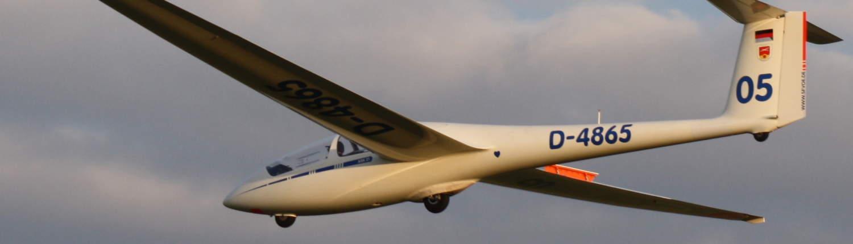 ASK21 O5 im Endanflug